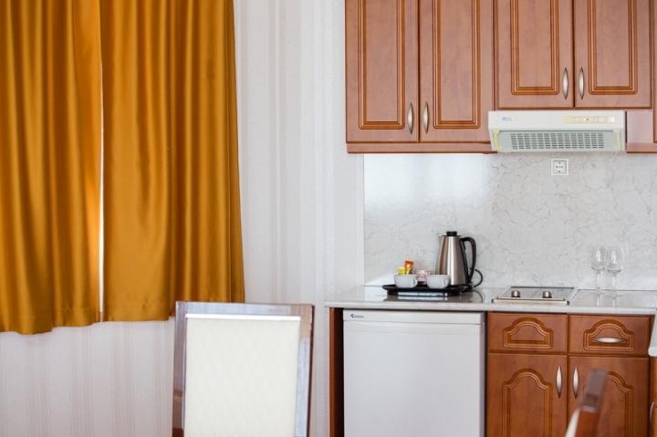 Lakosztályok - Exclusive delux grande lakosztály konyha mosogatógéppel, mikrohullámú sütővel, főzőlappal, kávé és teabekészítéssel